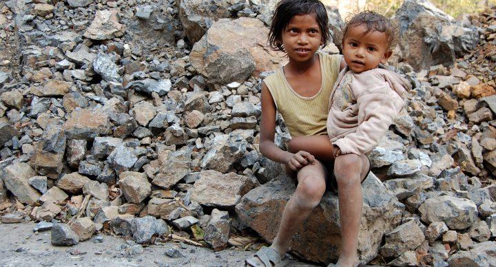 Miles de niños en el mundo siguen sin educación ni agua potable