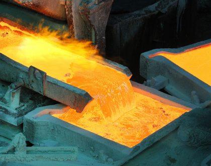 Sergio Bitar e Iván Valenzuela - Urge revertir la caída de la producción  de cobre refinado