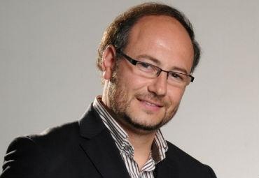 Claudio Elórtegui - El nuevo reto democrático del periodismo político: Inteligencia Artificial