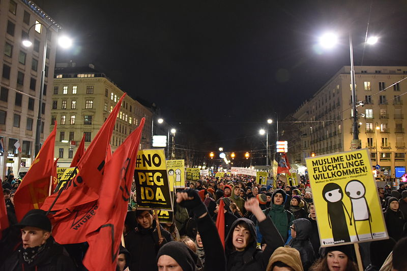 Crisóstomo Pizarro y Esteban Vergara - El gran conflicto del siglo XXI: entre el nacionalismo ciego y el cosmopolitismo vacío