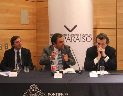 José Pablo Arellano y Rodrigo Navia abordaron los desafíos económicos actuales en el Foro Valparaíso
