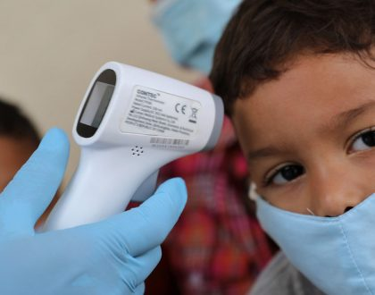 América Latina debe prepararse para brotes recurrentes del coronavirus en los próximos dos años